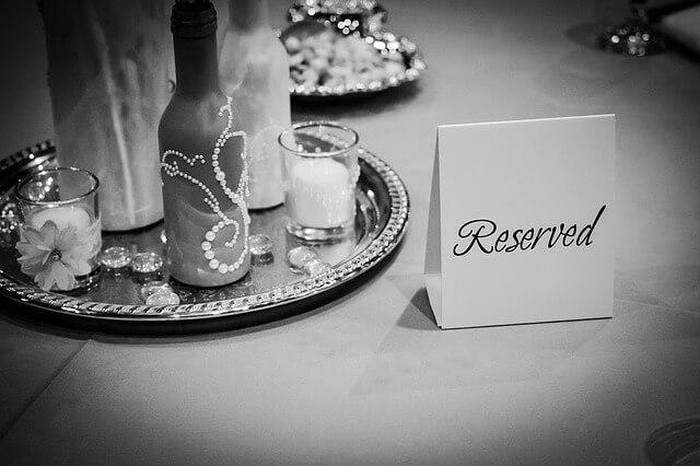 e834b00829f3053ecd0b470de7444e90fe76e6d311b7114090f4c9_640_wedding-table