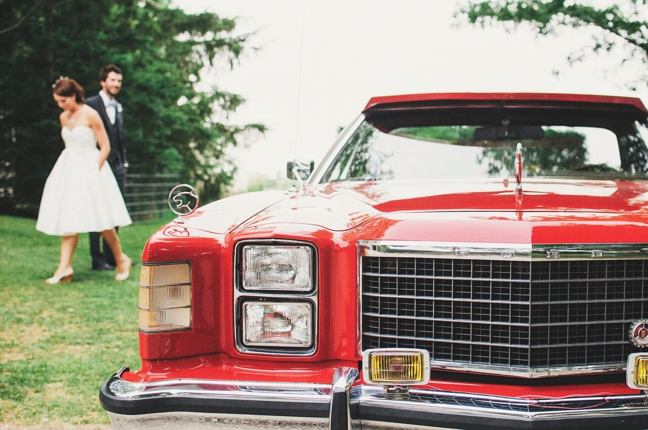 Top 5 Wedding Transportation Tips To Keep Your Guests Moving