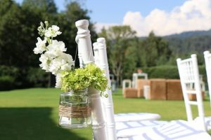 Saving Vs. Splurging: Fall Garden Weddings