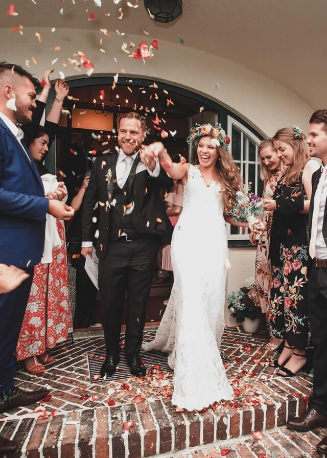 Alternatives to Throwing Confetti or Rice at Weddings - Nanina's In The Park