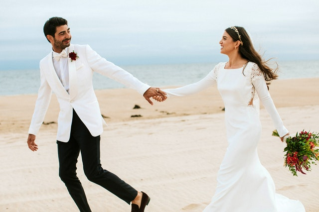 How to Plan for Outdoor Spring Wedding Photos