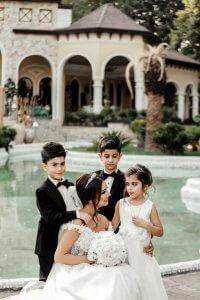 Cute Ways to Entertain Children at Weddings