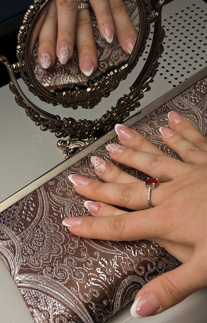 Wedding Nails: Trends and Tips